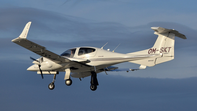 OM-SKT - Diamond DA-42 Twin Star - Private