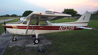 N73319 - Cessna 172R Skyhawk II - Private