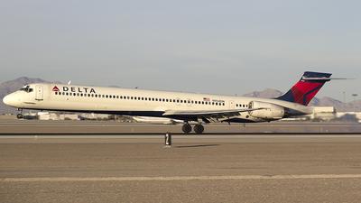 N954DN - McDonnell Douglas MD-90-30 - Delta Air Lines