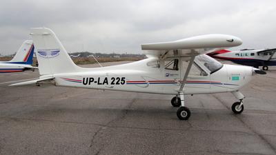 UP-LA225 - Tecnam P92 Echo JS - Private