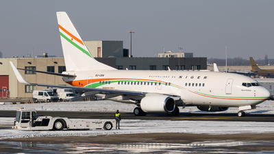 5U-GRN - Boeing 737-75U(BBJ) - Niger - Government