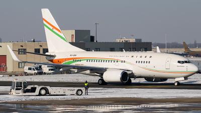 A picture of 5UGRN - Boeing 73775U(BBJ) - [28976] - © Jeremy De Winter (jdw.spotting)