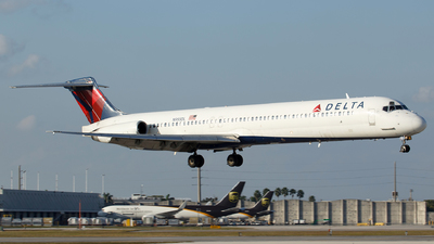 N955DL - McDonnell Douglas MD-88 - Delta Air Lines