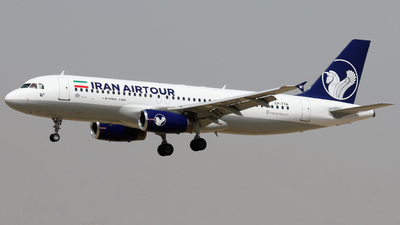 EP-TTA - Airbus A320-231 - Iran Air Tour