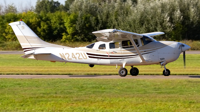 N242U - Cessna 206H Stationair - Silver Creek Aviation Services