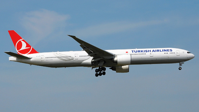 VT-JEP - Boeing 777-35RER - Turkish Airlines