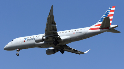 A picture of N264NN - Embraer E175LR - American Airlines - © DJ Reed - OPShots Photo Team
