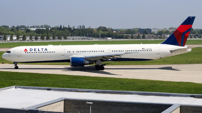 A picture of N835MH - Boeing 767432(ER) - Delta Air Lines - © subing27