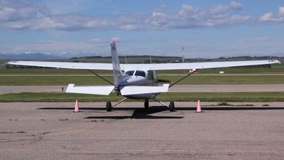 A picture of CGYDE - Cessna 172N Skyhawk - [17267662] - © Alex Praglowski