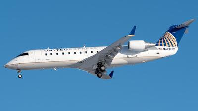 N421ZW - Bombardier CRJ-200LR - United Express (Air Wisconsin)