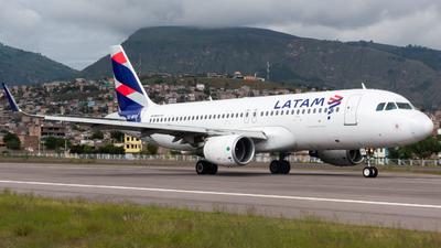 CC-BFG - Airbus A320-214 - LATAM Airlines