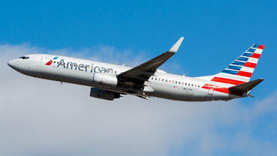 A picture of N821NN - Boeing 737823 - American Airlines - © OSCAR GUILLEN