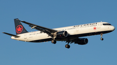 A picture of CFGKP - Airbus A321211 - Air Canada - © Kevin Leinweber