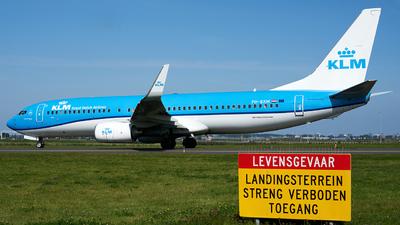 A picture of PHBXM - Boeing 7378K2 - KLM - © Fernando Roca