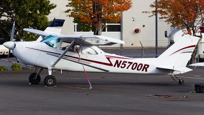 A picture of N5700R - Cessna 172F Skyhawk - [17253350] - © SpotterPowwwiii