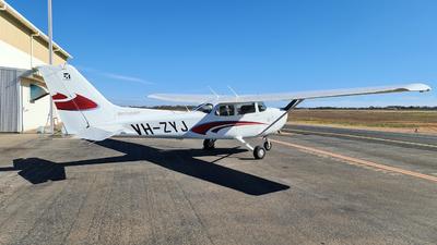 A picture of VHZYJ - Cessna 172S Skyhawk SP - [172S12356] - © LIU ZF
