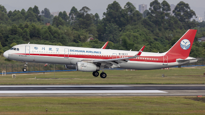 A picture of B1677 - Airbus A321231 - Sichuan Airlines - © Eric Wang