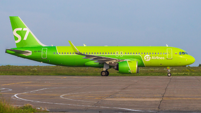 A picture of VQBDQ - Airbus A320271N - S7 Airlines - © Mikhail Leukhov