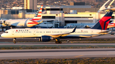 A picture of N687DL - Boeing 757232 - Delta Air Lines - © Ricky Teteris
