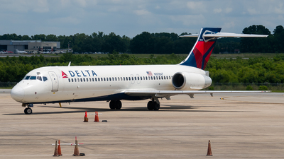 A picture of N978AT - Boeing 7172BD - Delta Air Lines - © Devin | Charleston.Spotter