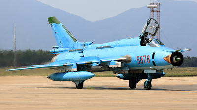 5878 - Sukhoi Su-22M4 Fitter K - Vietnam - Air Force