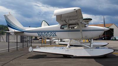 A picture of N6950X - Cessna 172B Skyhawk - [17247850] - © Dave Lu