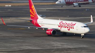 VT-SLG - Boeing 737-8AS - SpiceJet