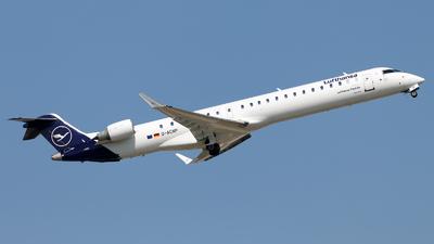 A picture of DACNP - Mitsubishi CRJ900LR - Lufthansa - © Oliver Richter
