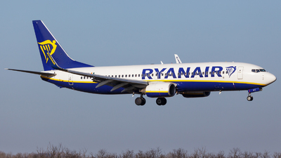 A picture of EIDYX - Boeing 7378AS - Ryanair - © SlowhanD