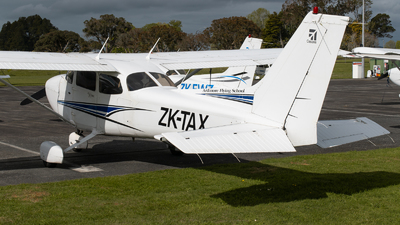 ZK-TAX - Cessna 172R Skyhawk II - Ardmore Flying School