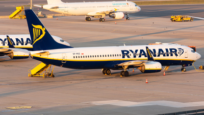 SP-RSZ - Boeing 737-8AS - Ryanair Sun