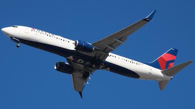 N889DN - Boeing 737-932ER - Delta Air Lines