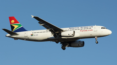 ZS-SZA - Airbus A320-232 - South African Airways