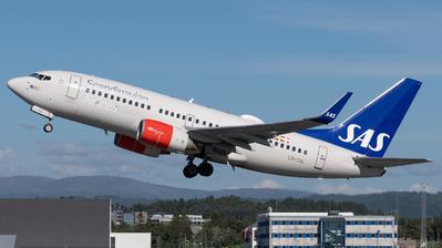 A picture of LNTUL - Boeing 737705 - SAS - © Richard Toft