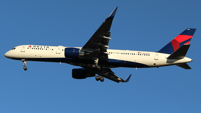 A picture of N545US - Boeing 757251 - Delta Air Lines - © Huy Do