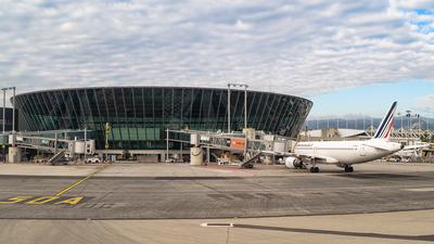 LFMN - Airport - Terminal