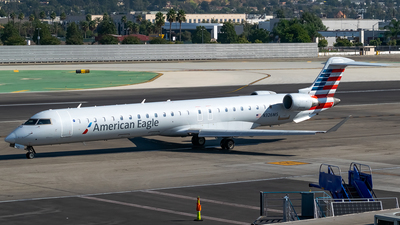 A picture of N326MS - Mitsubishi CRJ900LR - American Airlines - © Ricky Teteris