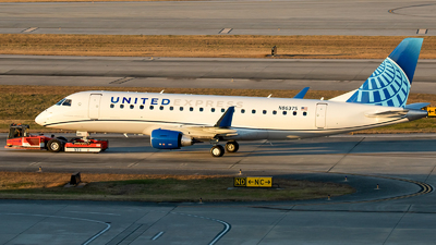 A picture of N86375 - Embraer E175LR - United Airlines - © Roger M