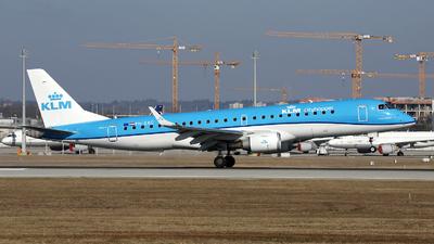 A picture of PHEXC - Embraer E190STD - KLM - © Stefan Mayer