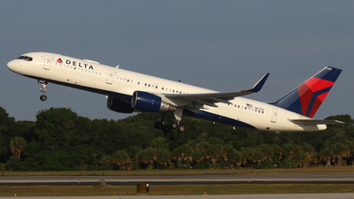 A picture of N6702 - Boeing 757232 - Delta Air Lines - © James Bruno