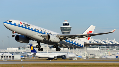 B-6117 - Airbus A330-243 - Air China
