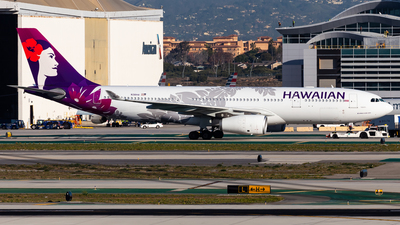 A picture of N381HA - Airbus A330243 - Hawaiian Airlines - © Brandon Giacomin