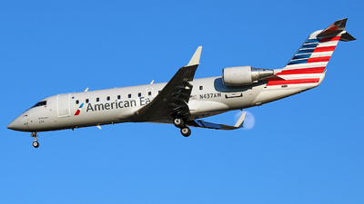 A picture of N437AW - Mitsubishi CRJ200LR - United Airlines - © GregMac