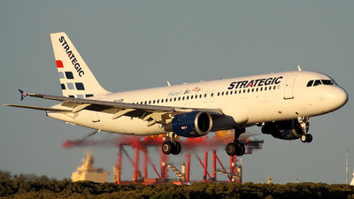 VH-YQB - Airbus A320-212 - Strategic Airlines