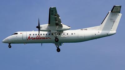 A picture of 8QIAS - De Havilland Canada Dash 8300 - Maldivian - © Manuel Mueller