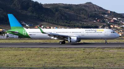 EC-NLV - Airbus A321-211 - Vueling