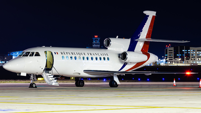 4 - Dassault Falcon 900 - France - Air Force