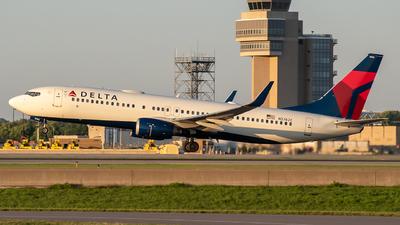 N3742C - Boeing 737-832 - Delta Air Lines