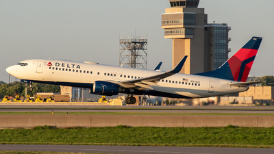 A picture of N3742C - Boeing 737832 - Delta Air Lines - © Twin Cities Spotter