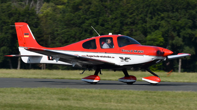 D-EQGS - Cirrus SR22T - Flugschule Stahnke